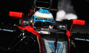 Sainz Jr quickest as Alonso crashes