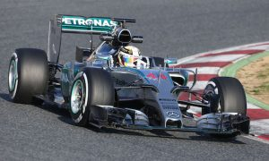 Unwell Hamilton ends test running