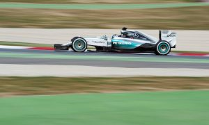 Rosberg unleashes Mercedes pace as McLaren hits 100