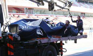 Sainz Jr blames wind for high-speed crash