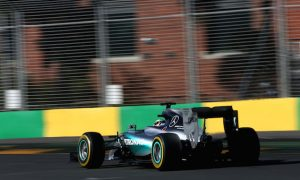 Hamilton warns Mercedes against complacency