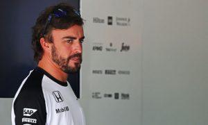 Alonso blames steering for testing crash