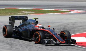 McLaren should let drivers race - Button