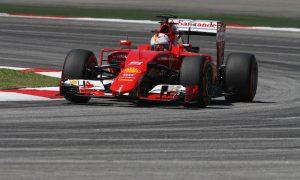 Vettel blames self for spin in FP2