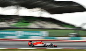 Manor drivers cleared to race by stewards