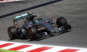 Rosberg keen to find more one-lap pace