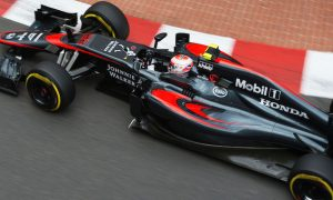 McLaren fighting hard towards the front - Boullier