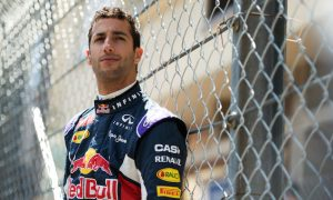 Ricciardo believes contract rules out Ferrari move