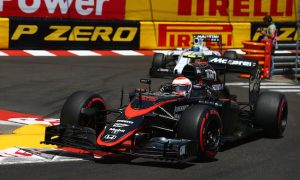 Button drives 'flat out' for first McLaren-Honda points
