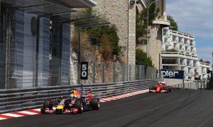 Ricciardo shrugs off Raikkonen contact