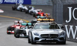 Lauda slams 'unacceptable' Mercedes error