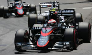 Button wants McLaren to 'keep their heads down'
