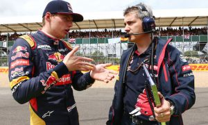 Verstappen calls crash 'very strange'