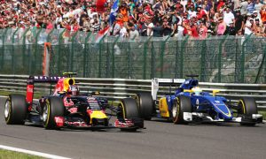 """Sauber """"lucky"""" to salvage point in tough weekend"""
