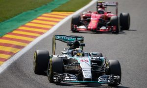 Hamilton heads Rosberg by 0.5s in FP3