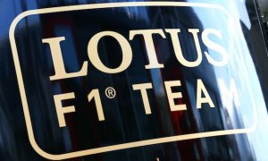 Renault signs Lotus takeover letter
