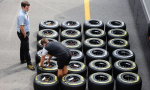 Pirelli explains tyre freedom plans for 2016