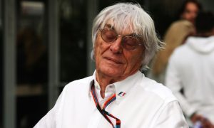Ecclestone backs Blatter, criticises America