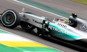 Hamilton expects 'close' fight with Rosberg