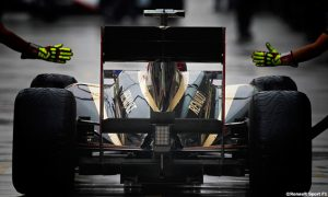 New Renault F1 chassis passes FIA crash tests