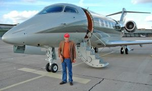Lauda buys Austrian charter airline