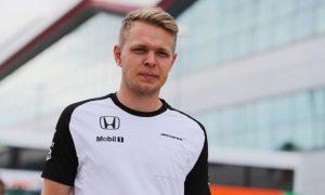 Magnussen links F1 return to future retirees