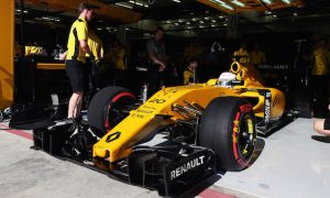 'Annoying' pit lane penalty frustrates Magnussen