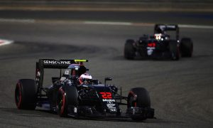Button on current quali: I'd rather drive with one eye shut