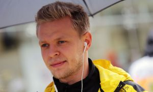 Magnussen would like to see refueling back in F1