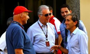 'Mood swings and bold claims' hurting Ferrari, says Prost