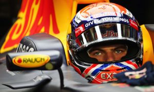 Verstappen 'staying loyal' to Red Bull