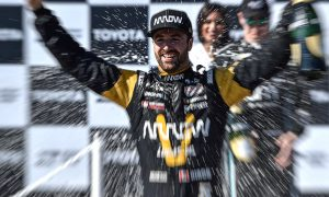 Hinchcliffe clinches it in Long Beach!