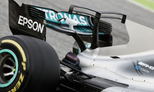 Mercedes fortifies T-wing but concerns remain