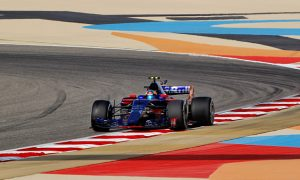 Exhaust failure put Sainz out of FP2 in Bahrain