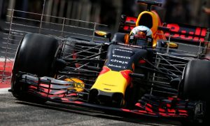 Ricciardo ends the morning on top in Bahrain
