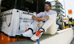 Alonso challenged by 'tricky' conditions at Indy