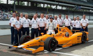 Hamilton belittles Alonso's Indy 500 rivals