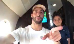 Daniel Ricciardo shares his Sunday flight home