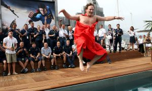 Ever seen a flying naked Horner?
