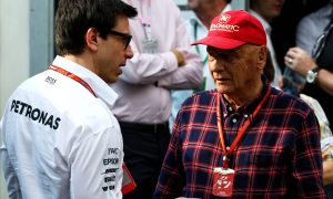 Lauda doesn't want Mercedes to power McLaren