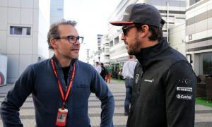 Villeneuve 'suprised' by both Ferrari and Bottas