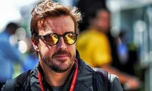 IndyCar 'not trying to poach F1 drivers'