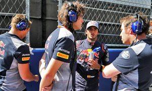 Sainz 'happy' staying at Toro Rosso