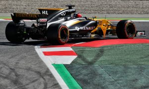 Impressive start in Spain for Renault pair