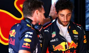 Ricciardo annoyed with team's 'stupid error'