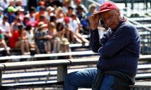 Lauda: 'Vettel needs to retire once, or it's over'