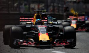 Red Bull now developing RB13 in the right direction - Ricciardo
