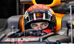 Verstappen tops FP2 but ends the day in the barrier