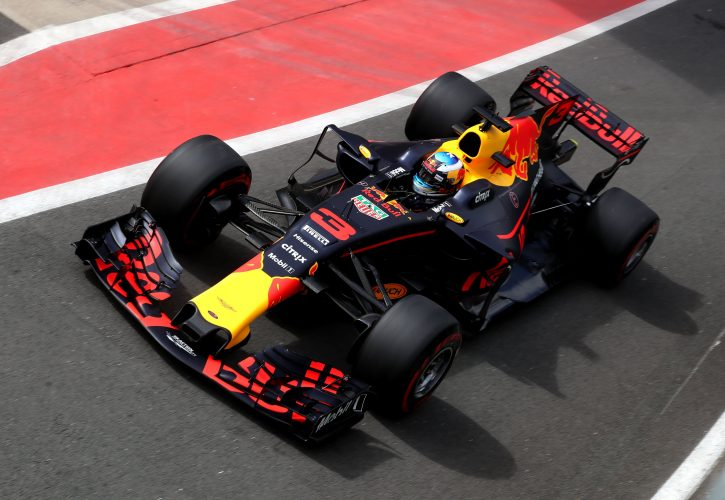 Daniel Ricciardo handed grid penalty after gearbox change