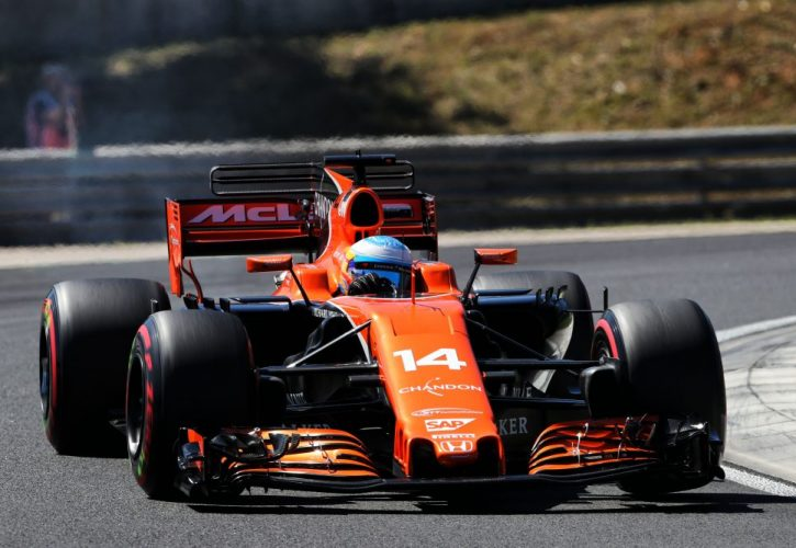 McLaren drivers targeting points after top-ten qualy